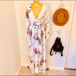 NWT Fashion Nova L/S White Floral Maxi Dress XS